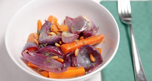 Insalata di carote e cipolle rosse