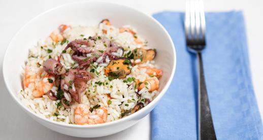 Insalata di riso, moscardini, cozze e capesante
